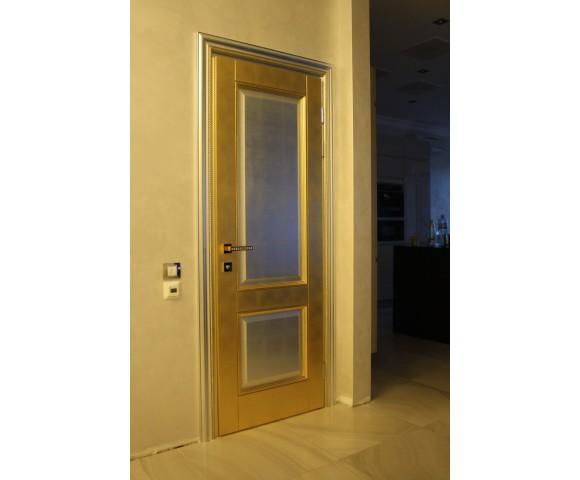 Двери с золотой и серебряной поталью